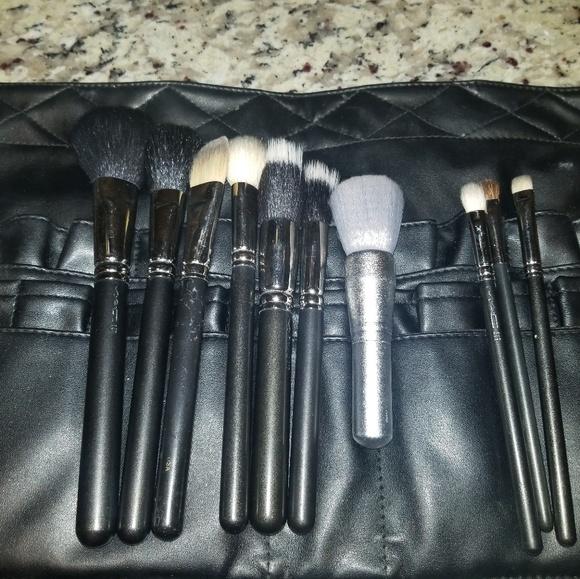 MAC Cosmetics Other - Mac makeup brush set with brush belt